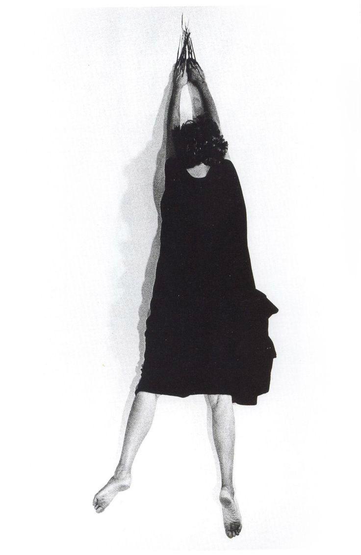 29 72 helena-almeida-negro-espesso-1981 copy 2