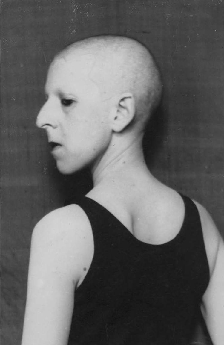 * 3 72 1920 claude-cahun-self-portrait-1920