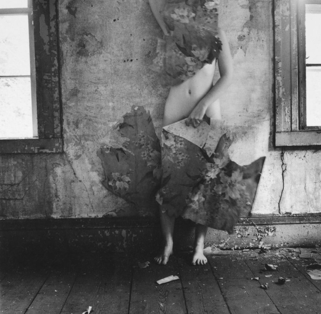 2 72 - 1977, from the space seriesfrancesca-woodman-1024x1015